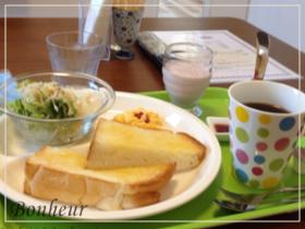 彦根のカフェ凛はモーニングのトーストが超美味しい!メニューも充実しているかわいいcafe