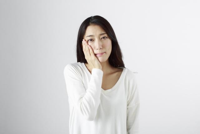 【こんなときQ&A】歯が痛くて眠れない・・・ズキズキした歯痛を和らげるにはどうしたらいい?