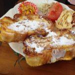 岐阜県不破郡垂井町のおすすめカフェ でっかいフレンチトーストのモーニング~店内もアンティークとお花で素敵~