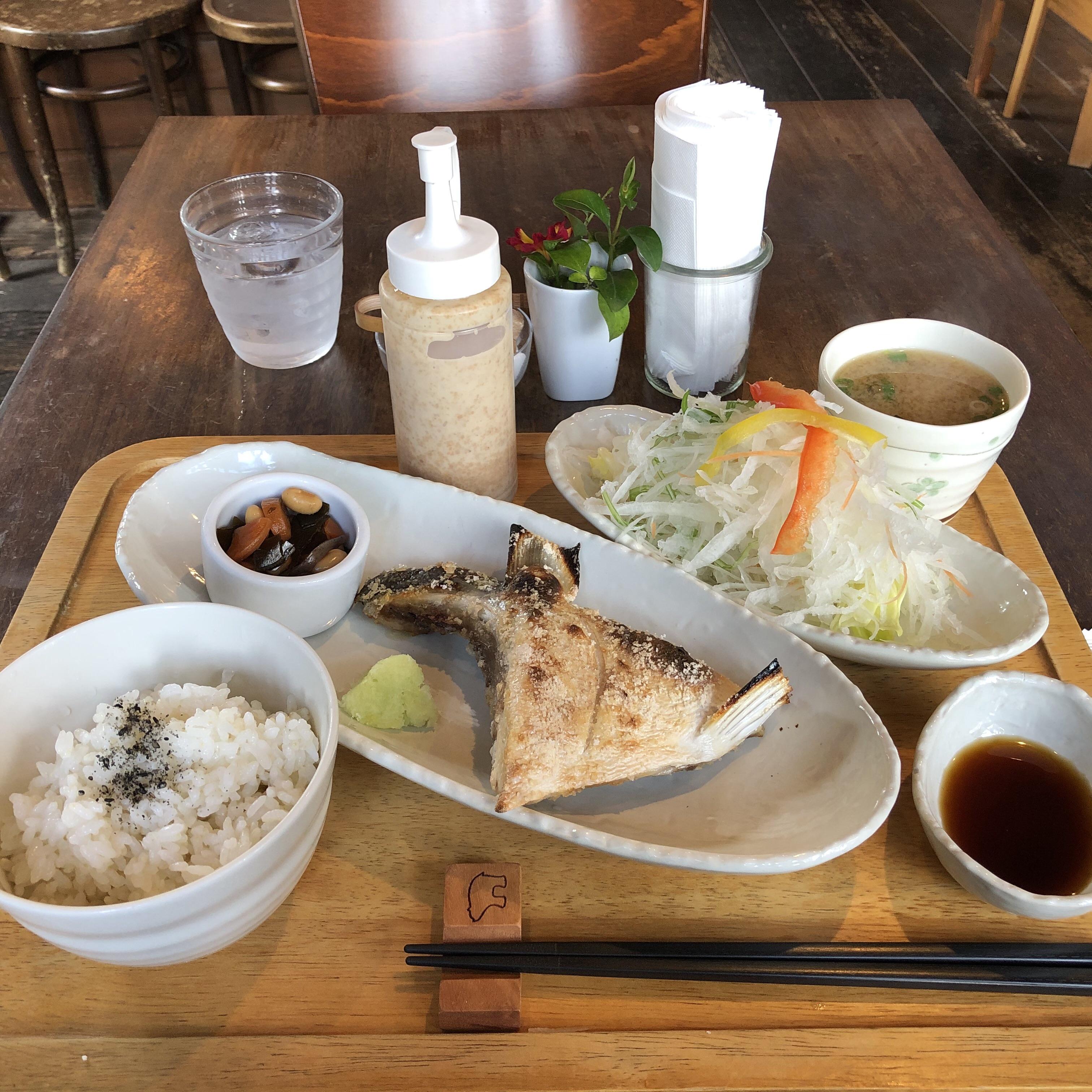 彦根市のステキなカフェはモクモク!ランチのぶりかまの塩焼きが美味しすぎて大満足